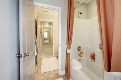 Chesapeake Homes -  The Everest Upstairs Hallway Bath