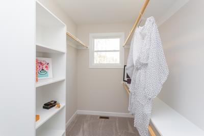 Chesapeake Homes -  Shadow Creek Owner's Closet