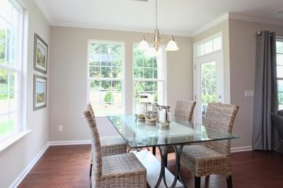 Chesapeake Homes -  The Waverunner Breakfast Area