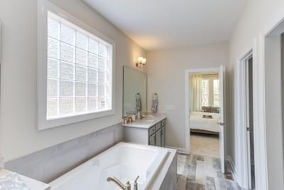 Chesapeake Homes -  Shadow Creek Owner's Bath
